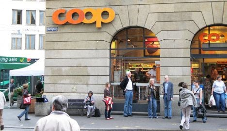 Coop cuts prices as supermarket war rages