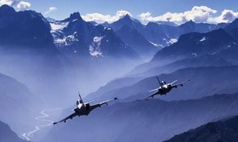 Swiss could borrow Swedish fighter jets