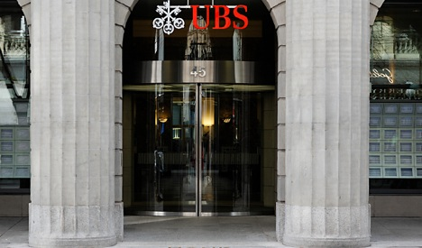 UBS data snapped from computer screen: report