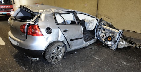 Car hits Lucerne tunnel roof in deadly accident