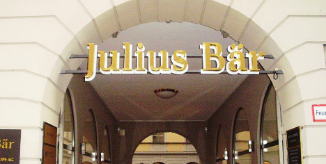 Julius Bär shareholders reject 'excessive' pay