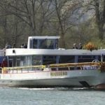 Passengers forced to flee grounded tourist boat