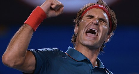 Federer outplays Murray to reach semifinals
