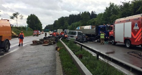 Crash closes Zurich-Bern section of A1 motorway