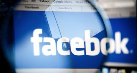 Woman fined for speed camera info on Facebook