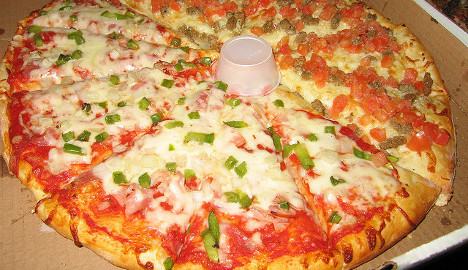 Undercover police catch Zurich pizza gang