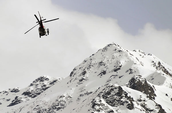 Two skiers killed in Swiss avalanches