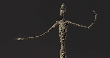 Giacometti sculpture sets new auction record