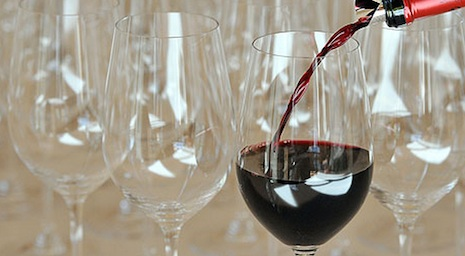 Swiss residents booze more than OECD average