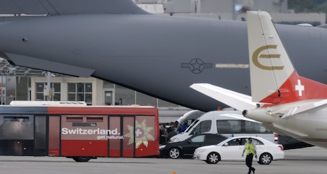 Kerry heads to US in military jet from Geneva