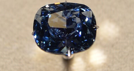 'Blue Moon' diamond tipped for auction record