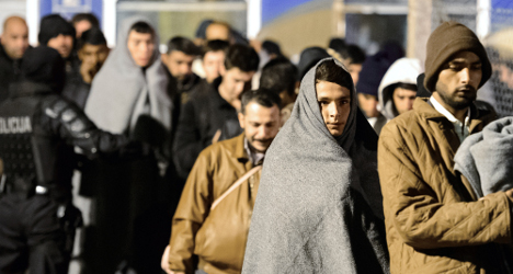 Swiss aid experts help refugee crisis in Europe