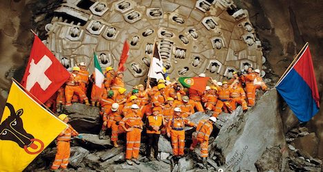 Thousands clamour for historic Gotthard tunnel ride