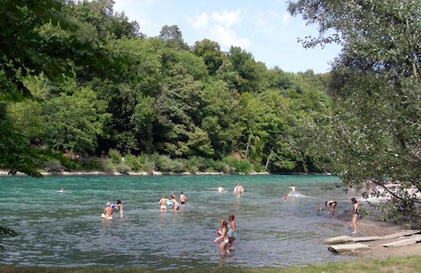 River swimmers advised of cold water risks