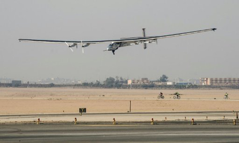 World touring solar plane's final departure to UAE delayed