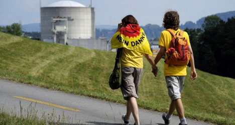 Swiss people in favour of early nuclear withdrawal