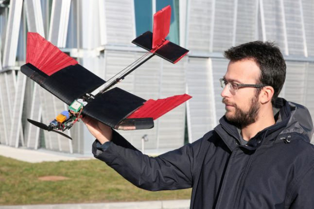 Swiss scientists create winged drone that flies like a bird