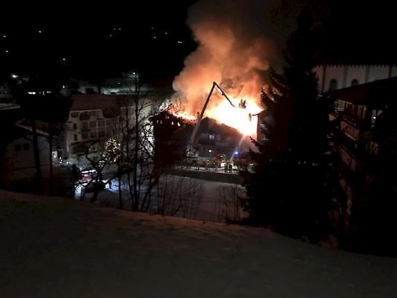 300-year-old Valais hotel destroyed by fire