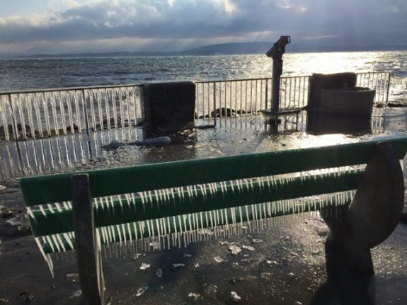 Icy bise wind causes travel chaos in western Switzerland