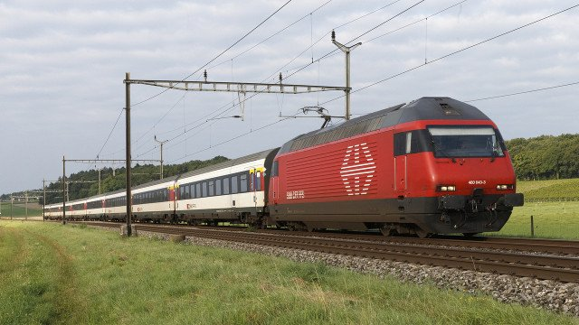 Man found dead on roof of train travelling from Italy to Switzerland