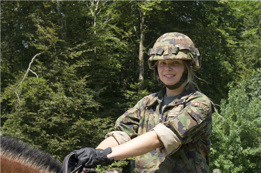 Swiss army wants to recruit more women