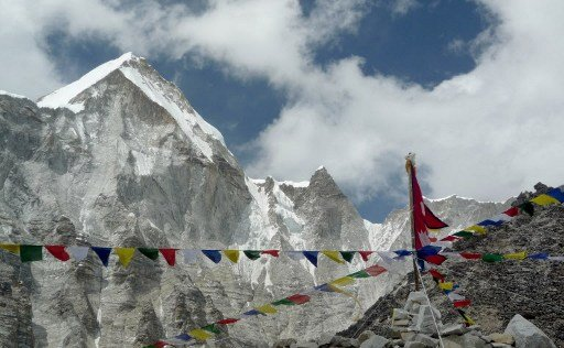 Climbers gather for funeral of Ueli Steck at monastery in Nepal
