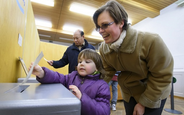 Two Swiss cantons get the go-ahead for online voting