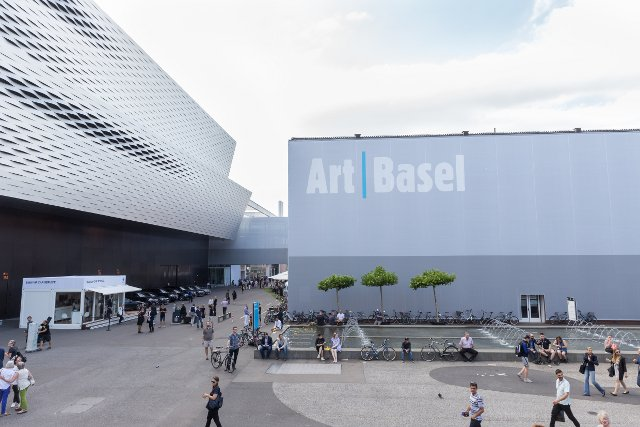Art Basel steps up security by bodyscanning attendees