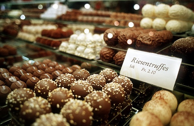 Swiss chocolatiers vow to make industry more sustainable