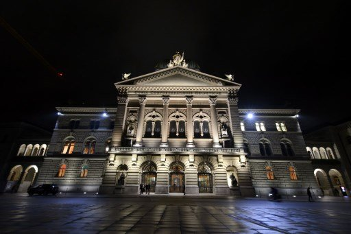 Bern ends Swiss national day on alert as suspicious backpack found near parliament
