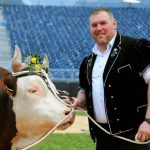 16,000 spectators watched the 32-year-old win the competition - his prize was a cowPhoto: Photo: Andy Mettler/Swiss-image.ch