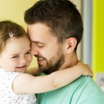 Men's group campaigns for Swiss fathers to play larger role in childcare