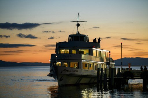 Ferry worker rescues young child who fell into Lake Geneva