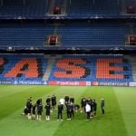 Basel shock Manchester United with late winner
