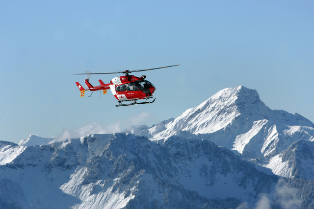 Hikers saved by Whatsapp message after falling in Swiss mountains