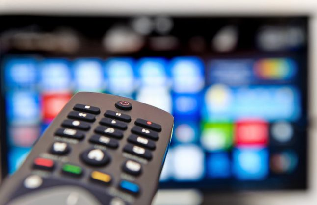 Referendum: Swiss set to stand behind embattled public broadcaster
