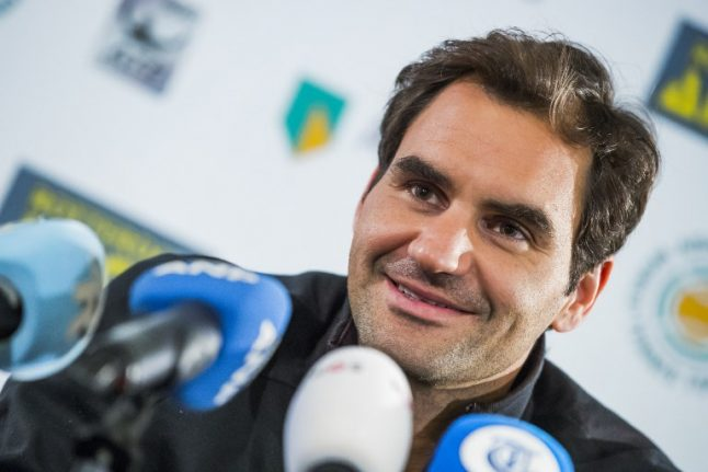 Quickfire Federer just two wins from becoming oldest No 1 ever