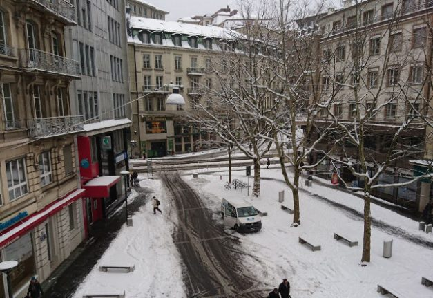IN PICS: From ice to snow on first day of Swiss spring