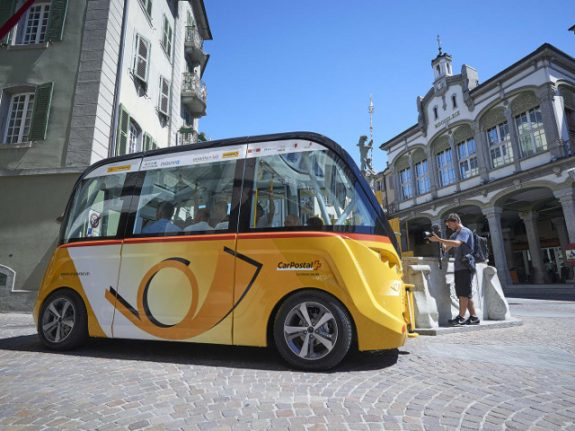 Sion's driverless buses take on traffic with new route