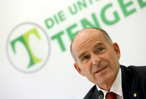 Family says no hope for German billionaire lost in Swiss Alps