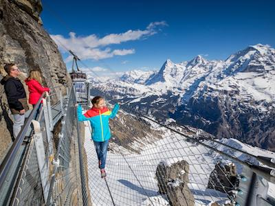 Stranded tourists airlifted from iconic Schilthorn peak