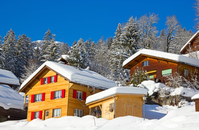 Switzerland snubs tougher rules on foreign property ownership