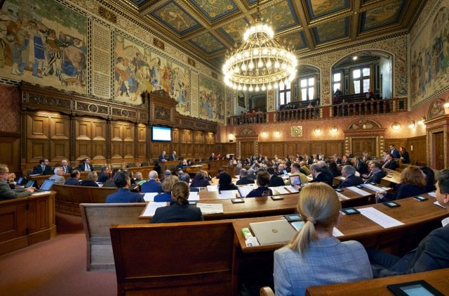 Politician with sleeping baby ejected from Swiss regional parliament