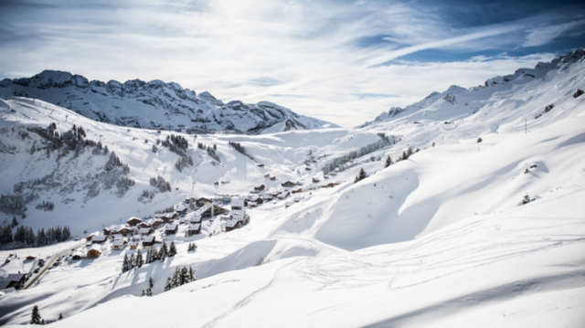 Ski patroller killed by avalanche in Swiss canton of Valais