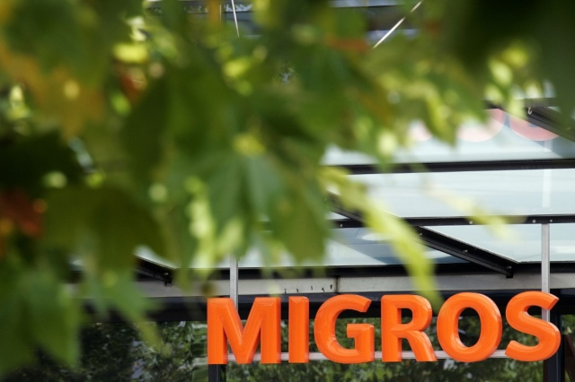 Swiss Post and Migros supermarkets launch joint package pick up service