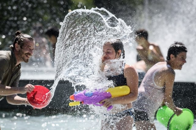 Why Swiss kids still have to go to school during heatwaves