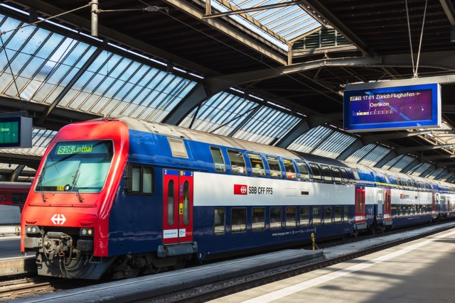 Switzerland unveils plans for refunds for late and cancelled trains