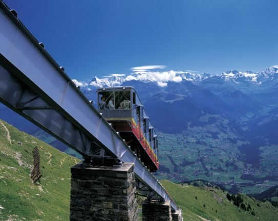Tourists evacuated from Swiss mountain after funicular breaks down