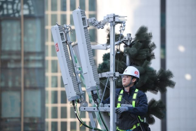 Swiss 5G rollout slowed as opponents fight antenna plans