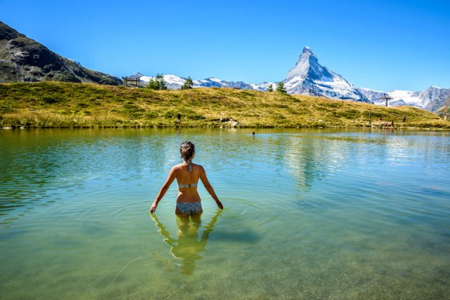 How to keep safe when swimming in Switzerland's lakes and rivers